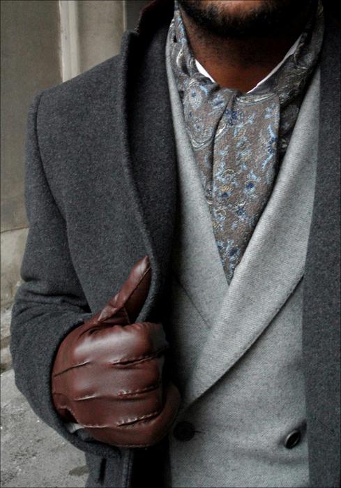 как-носить-шейный-платок-мужчине-19[1] (489x700, 360Kb)
