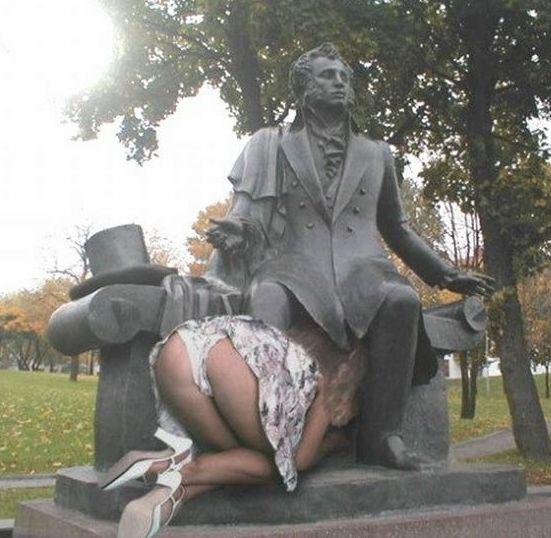 Фото русская девушка сосет 20 фотография