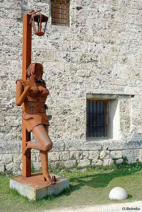 Интересная монументальная скульптура - Страница 2 32540220_Germaniya_Burghauzen_Babochka
