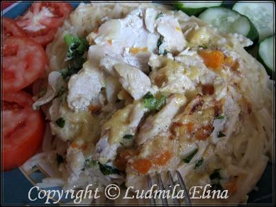 Тушеные куриные грудки в овощном соусе