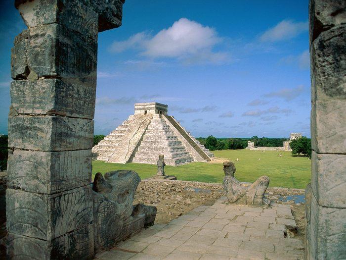 El%20Castillo,%20Chichen%20Itza%20(Mayan%20Toltec),%20Mexico (700x525, 75Kb)