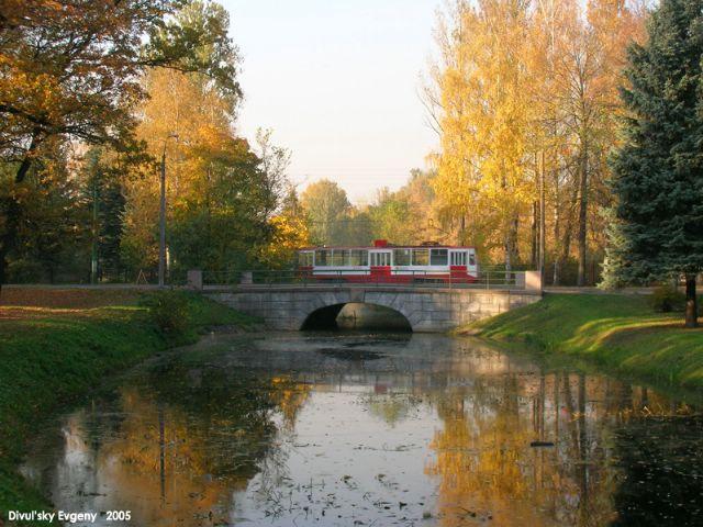 http://img0.liveinternet.ru/images/attach/c/0/35/905/35905368_1227818262_Divul_skiy_Evgeniy_osenniy_tramvay.jpg