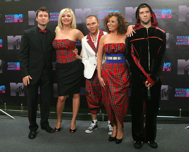 devushka-masturbirovala-doma-video