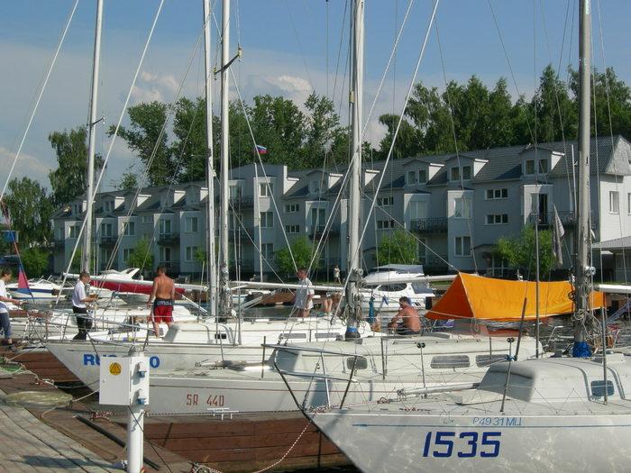 Яхт-клуб Водник Отель У Причала и сами причалы Звоните 991-57-25