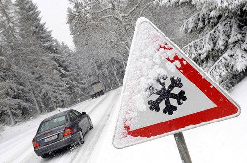 Европу и Америку завалило снегом