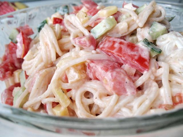 Салат к спагетти рецепт