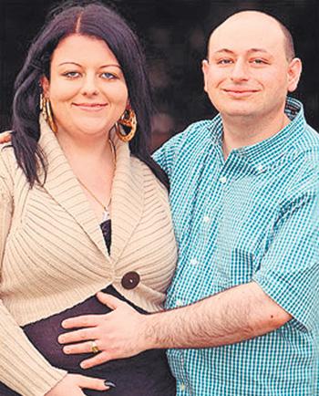 Лайза и Майк решили дать своим дочерям шанс