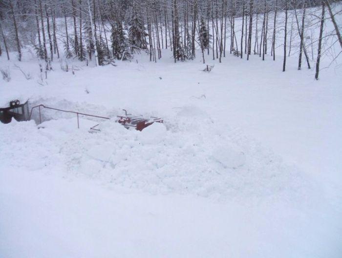 тепловоз в снегу