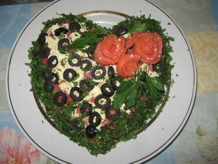 Рецепт с салата с красной соленой рыбой рецепт
