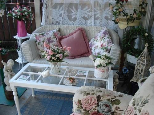 Мебель в стиле шебби - шик выглядит так, как будто она вышла из прошлого...