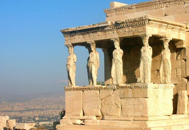 Географическое положение Греции уникально.  Страна находится на стыке Запада и Востока, соединяя Европу...