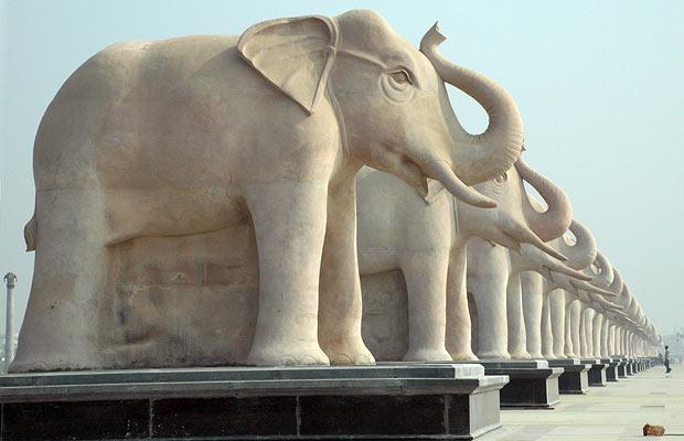 День в картинках статуя Индия Лакхнау