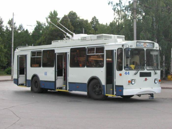 ...в связи с проведением ремонтных работ на подстанции 14 с 08.30 до 17.00 изменяется схема движения троллейбусного...
