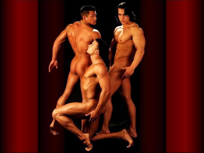 kartinki-krasivih-muzhchin-eroticheskie