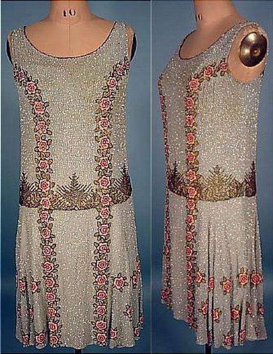 В 20-ые такие платья назывались платья-шемиз.  Шемиз - это рубашка...