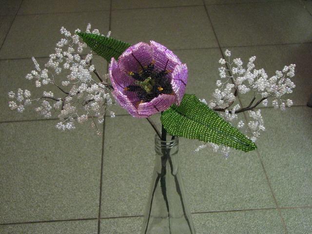 Риреневый тюльпан из бисера,