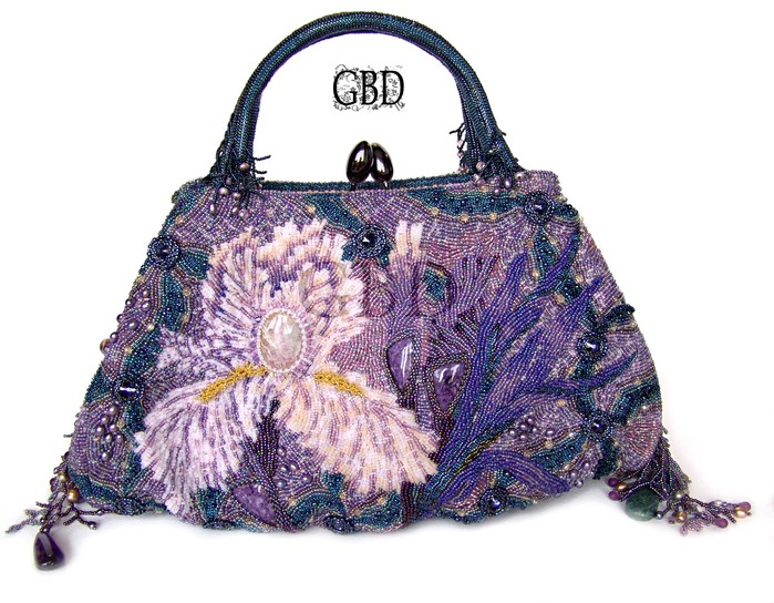 Красивые сумки из бисера.