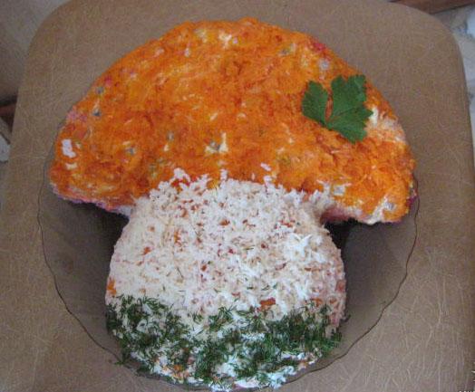 Грибной салат - это очень вкусный осенний салат.  Состав грибного салата...