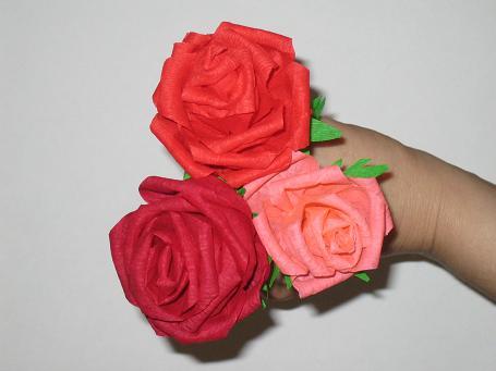 Розы из гофрированной бумаги.  Прочитать целикомВ.