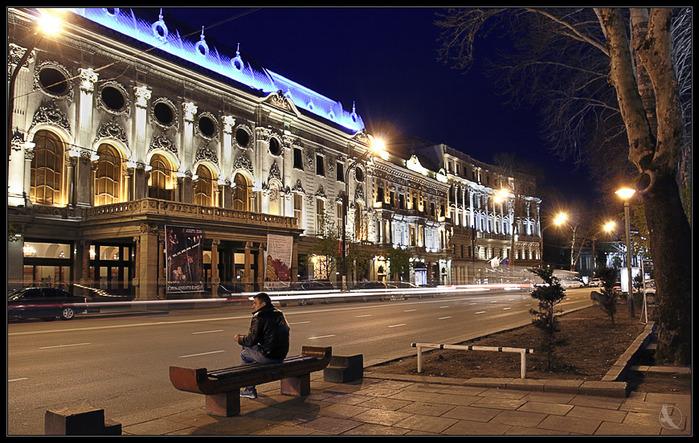 http://img0.liveinternet.ru/images/attach/c/0/46/377/46377537_Rustaveli_theatre.jpg