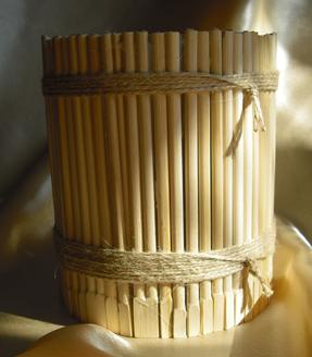 Корзинка из палочек для суши