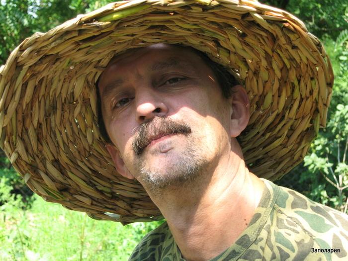 Шляпа из камыша