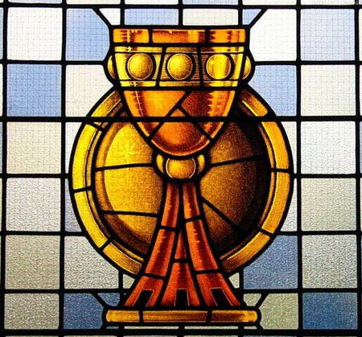 Во французском департаменте Луар-и-Шер из католического храма похищены освященные облатки, пишет LA NOUVELLE...