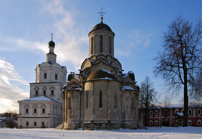 Спасо-Андроников мужской монастырь на левом берегу р. Яузы был основан в 1357 г. митрополитом Алексием.