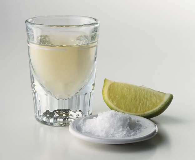 ...из голубой агавы.  Текила напиток мексиканский, ведь именно там в...
