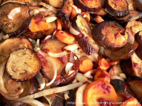 Описание Фаршированные баклажаны в духовке. Блюда из кальмаров.