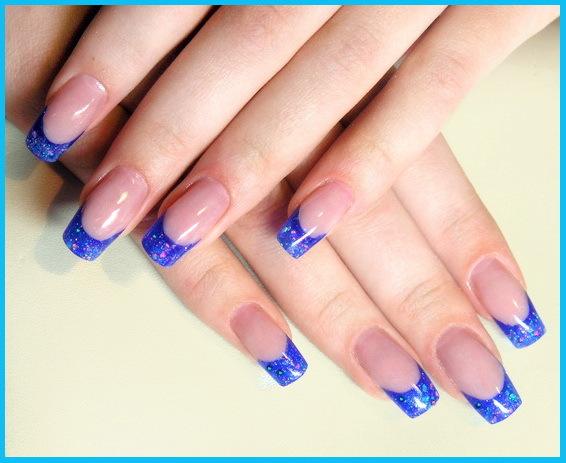 Нарощенные ногти с синим френчем