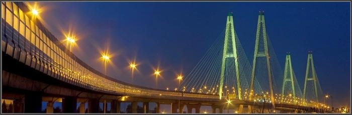 Панорама Вантового моста.  Городской пейзаж.