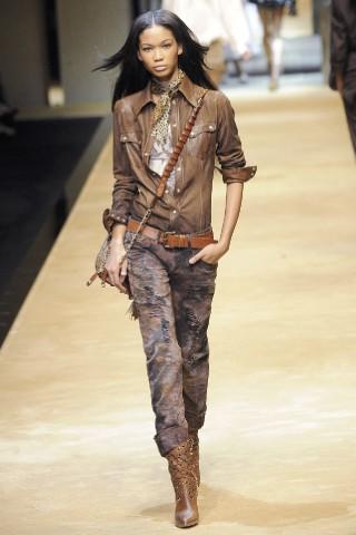 Коллекция весна-лето 2010 от модного дома Dolce & Gabbana.