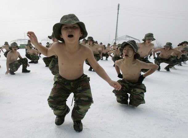 Пока наши детишки крепко спят, ходят в школу и играют в игрушки, корейский