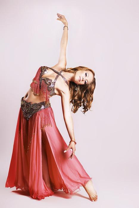 Танец живота - сегодня его популярность в России превосходит все мыслимые границы, школы или танцевальные...