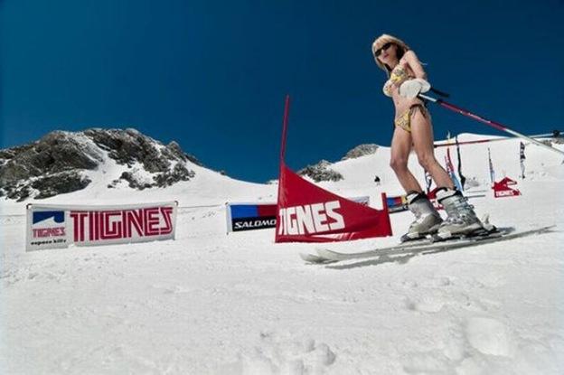 Snowboarding naked girls pussy