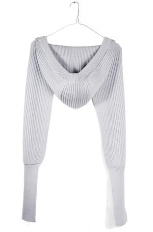 еще пример.  Хочется связать что-то такое.  Поможете найти схему?  Ищу схему вязания шарф-рукав.