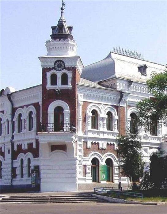 в 1891 году в Благовещенске (Россия) основан Амурский областной краеведческий музей имени Г.С.Новикова-Даурского.