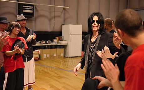 Майкл Джексон употреблял анестезиологические наркотики