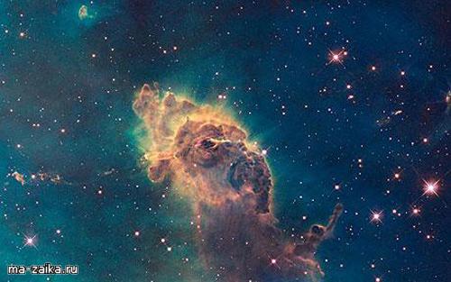 Хаббл показывает изображение звезды разорванной хаотически, Туманность Карина.