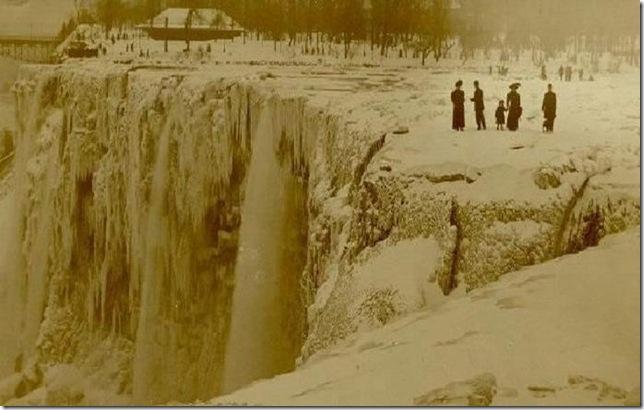 Зима 1911 года. Замерзший Ниагарский водопад