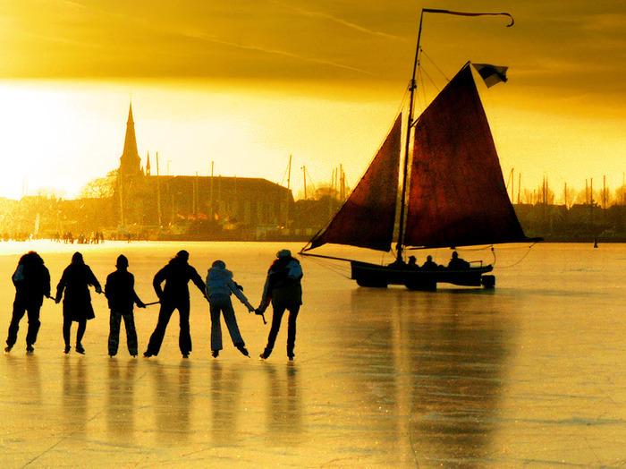 яхта на льду