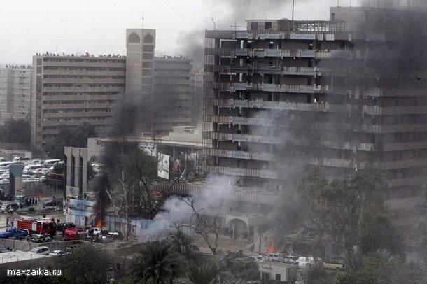 Два мощных взрыва прогремели в центре Багдада