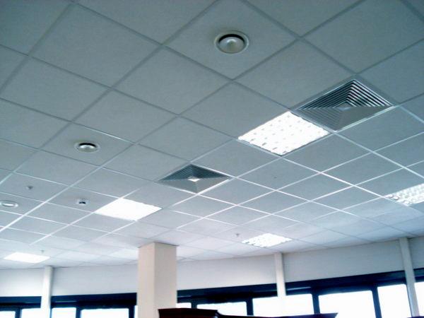 Зеркальные потолки - производство,монтаж.