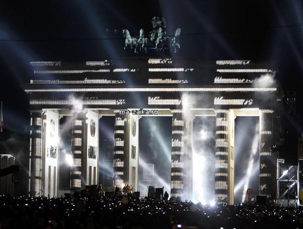 Концерт U2 у Браденбургских ворот