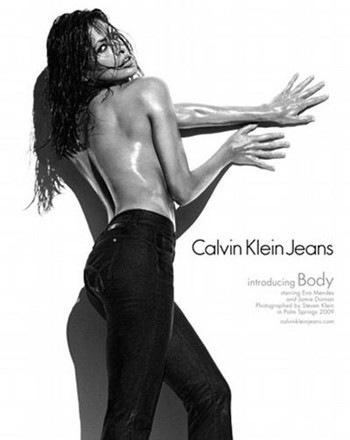 Самая желанная женщина 2009 года в джинсах. Ева Мендес и Кельвин Кляйн