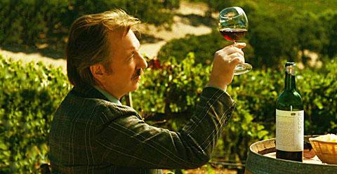 Какдр из фильма Удар Бутылкой