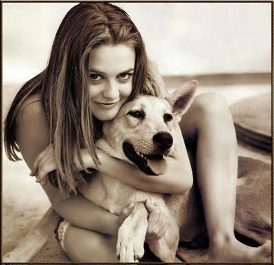 alicia_silverstone_with_dog (400x387, 26Kb)