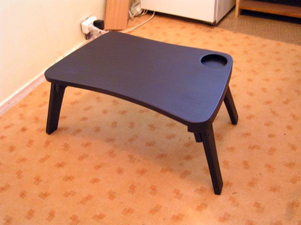 Самый простой вариант столика: