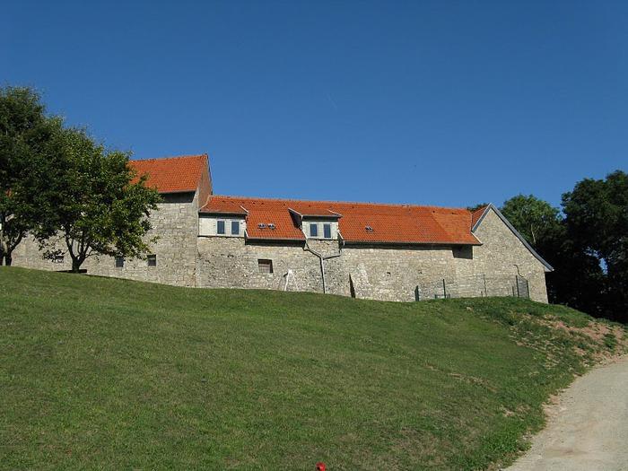 Крепость Шарфенштайн (нем. Burg Scharfenstein) 88736